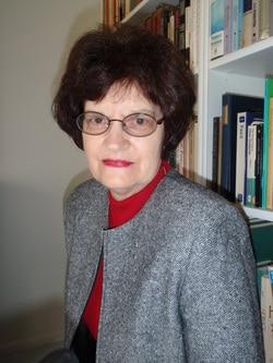 Lynn Veach Sadler